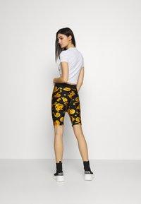 Versace Jeans Couture - Triko spotiskem - white - 2