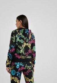 Versace Jeans Couture - Sudadera con cremallera - black - 2