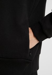 Versace Jeans Couture - Felpa aperta - nero - 3