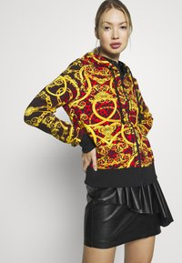 Versace Jeans Couture - LADY LIGHT SWEATER - Hoodie met rits - racing red - 3