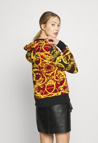 Versace Jeans Couture - LADY LIGHT SWEATER - Hoodie met rits - racing red - 2