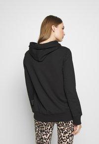 Versace Jeans Couture - LADY LIGHT SWEATER - Felpa con cappuccio - black - 2
