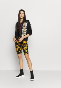Versace Jeans Couture - Zip-up hoodie - black/gold - 1