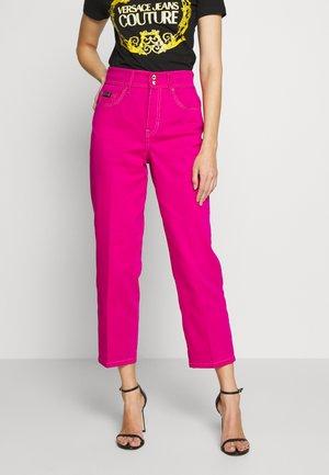 LADY TROUSER - Straight leg jeans - rosa fluo