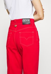 Versace Jeans Couture - LADY TROUSER - Džíny Straight Fit - racing red - 5