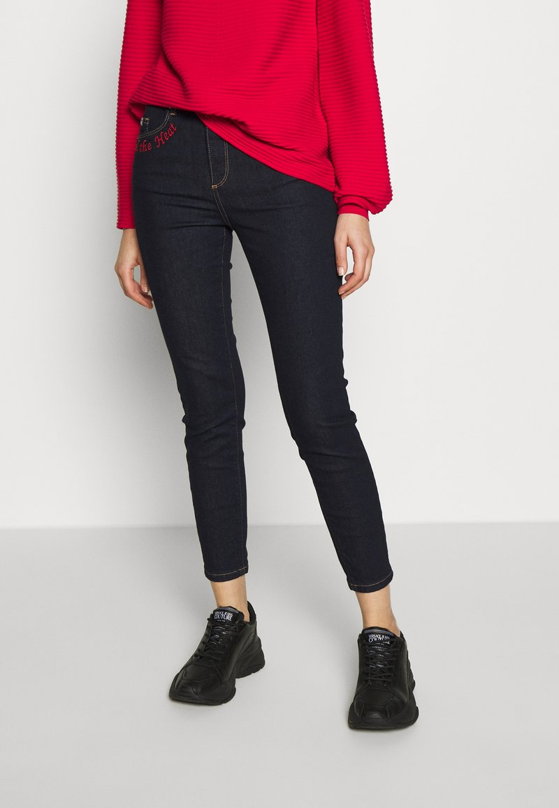 Versace Jeans Couture - LADY TROUSER - Jeans Skinny Fit - indigo