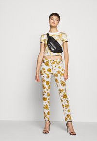 Versace Jeans Couture - Jeans Skinny - white - 1