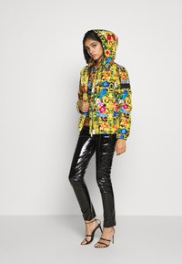 Versace Jeans Couture - QUILTED JACKET - Gewatteerde jas - multi-coloured - 1
