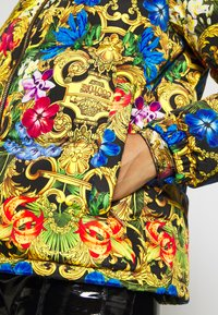 Versace Jeans Couture - QUILTED JACKET - Gewatteerde jas - multi-coloured - 6