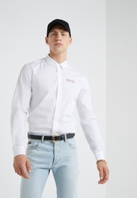 Versace Jeans Couture - CAMICIE UOMO - Skjorte - bianco ottico - 0
