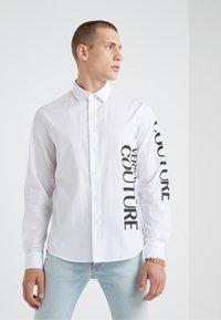 Versace Jeans Couture - CAMICIE UOMO - Shirt - bianco ottico - 0