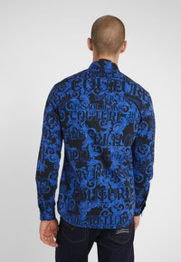Versace Jeans Couture - BAROQUE - Camisa - black/blue - 2