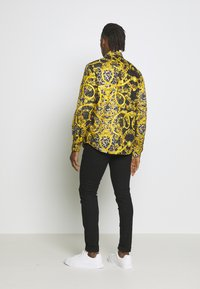 Versace Jeans Couture - ALLOVER PRINT - Overhemd - black - 2