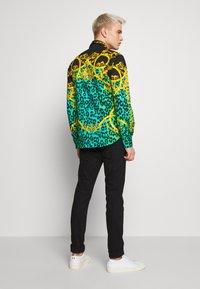 Versace Jeans Couture - LEO ALLOVER SHIRT - Shirt - pure mint - 2