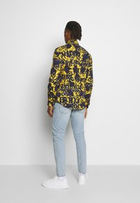 Versace Jeans Couture - ALLOVER PRINT - Hemd - blue - 2
