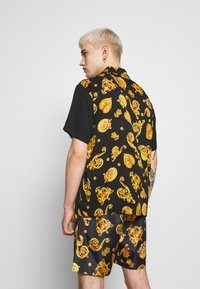 Versace Jeans Couture - BOWLING GIOIELLI PRINT - Overhemd - black - 2