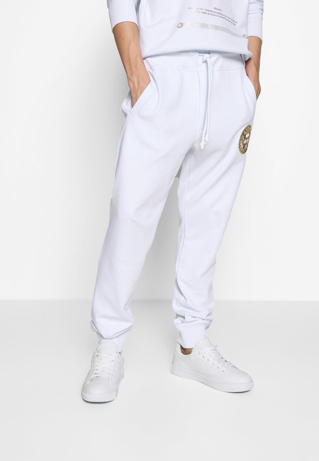 PATCH JOGGERS - Pantaloni sportivi - white