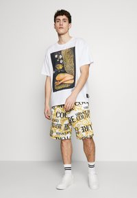 Versace Jeans Couture - Shorts - white - 1