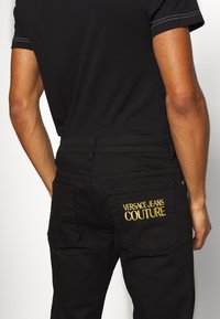 Versace Jeans Couture - Jeansy Slim Fit - black - 3