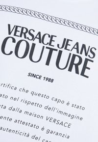 Versace Jeans Couture - MAGLIETTE  - T-shirts med print - bianco ottico - 5