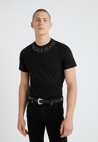 Versace Jeans Couture - MAGLIETTE  - Print T-shirt - nero - 0