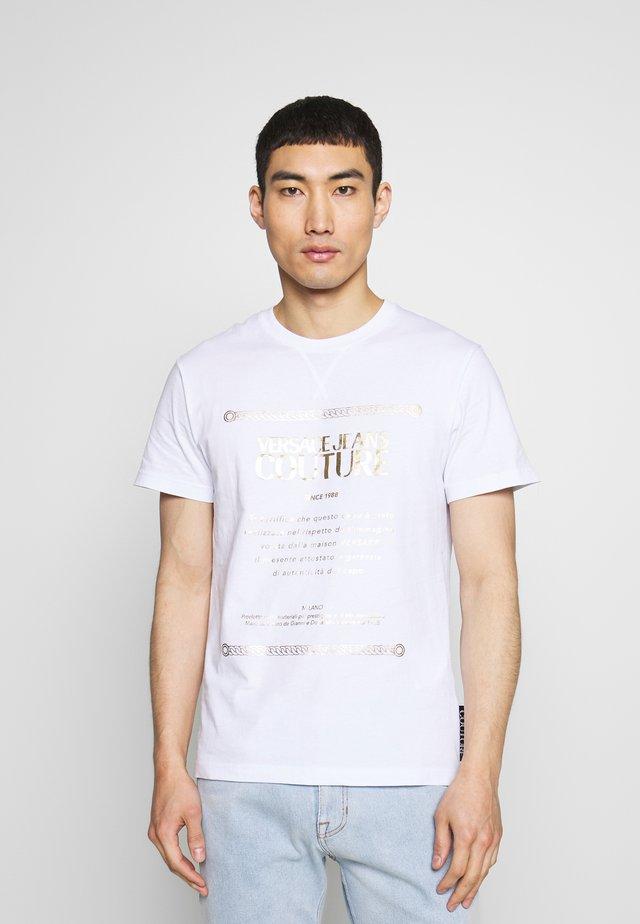 LOGO - T-shirt med print - white/gold