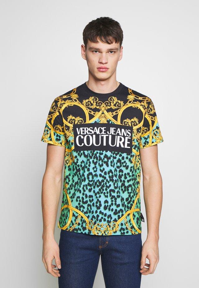 ALLOVER LEO  - Print T-shirt - pure mint
