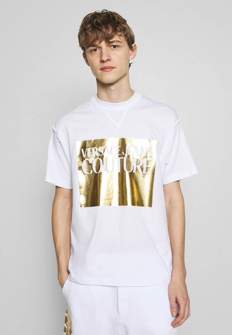 Versace Jeans Couture - FOIL LOGO WITHOUT THE 'BE BAROQUE' PATCH REGULAR FIT - T-shirt con stampa - white