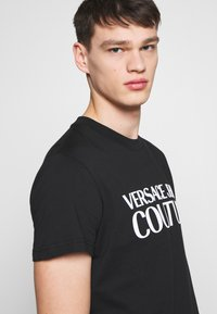 Versace Jeans Couture - BASIC LOGO - Triko spotiskem - black - 3