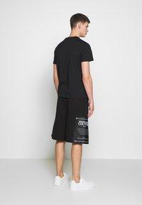 Versace Jeans Couture - BASIC LOGO - Triko spotiskem - black - 2