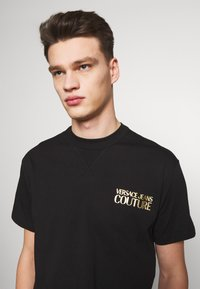 Versace Jeans Couture - CHEST LOGO - T-shirts print - black - 5