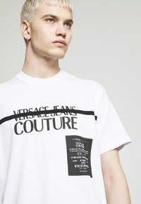Versace Jeans Couture - LOGO TAPE - T-shirt print - white - 3
