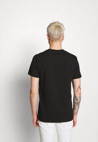 Versace Jeans Couture - FOIL LOGO - T-Shirt print - black - 2