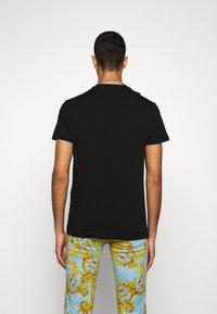 Versace Jeans Couture - MOUSE - T-shirt imprimé - black - 2