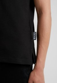 Versace Jeans Couture - Polo shirt - nero - 5