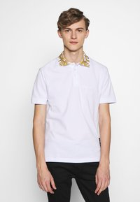 Versace Jeans Couture - BAROQUE COLLAR WITHOUT THE PATCH - Polo - white - 0