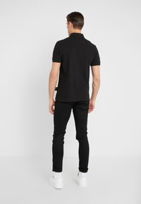 Versace Jeans Couture - LABEL POLO - Polo - black - 2