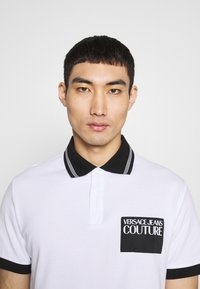 Versace Jeans Couture - PATCH - Poloshirt - white - 3