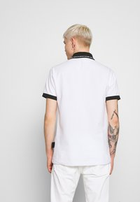 Versace Jeans Couture - PATCH - Poloshirt - white - 2