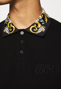 Versace Jeans Couture - PLAIN - Polo - nero - 7