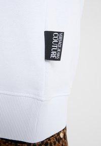 Versace Jeans Couture - FELPE UOMO - Collegepaita - bianco ottico - 3