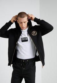 Versace Jeans Couture - FELPE UOMO - Zip-up hoodie - nero - 0