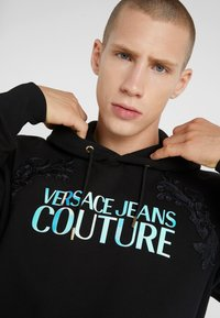 Versace Jeans Couture - EMBROIDERED HOODIE - Hoodie - black - 3
