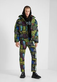 Versace Jeans Couture - EMBROIDERED HOODIE - Hoodie - black - 1