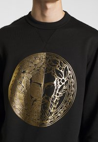 Versace Jeans Couture - CREW WITHOUT THE 'BE BAROQUE' PATCH - Sweat à capuche - black - 5
