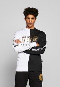 Versace Jeans Couture - CREW BLOCK - Sweater - black - 0