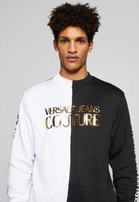 Versace Jeans Couture - CREW BLOCK - Sweater - black - 5