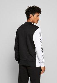 Versace Jeans Couture - CREW BLOCK - Sweater - black - 2