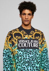 Versace Jeans Couture - CREW ALLOVER LEO  - Sweater - pure mint - 5