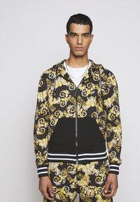 Versace Jeans Couture - Hoodie met rits - nero - 0